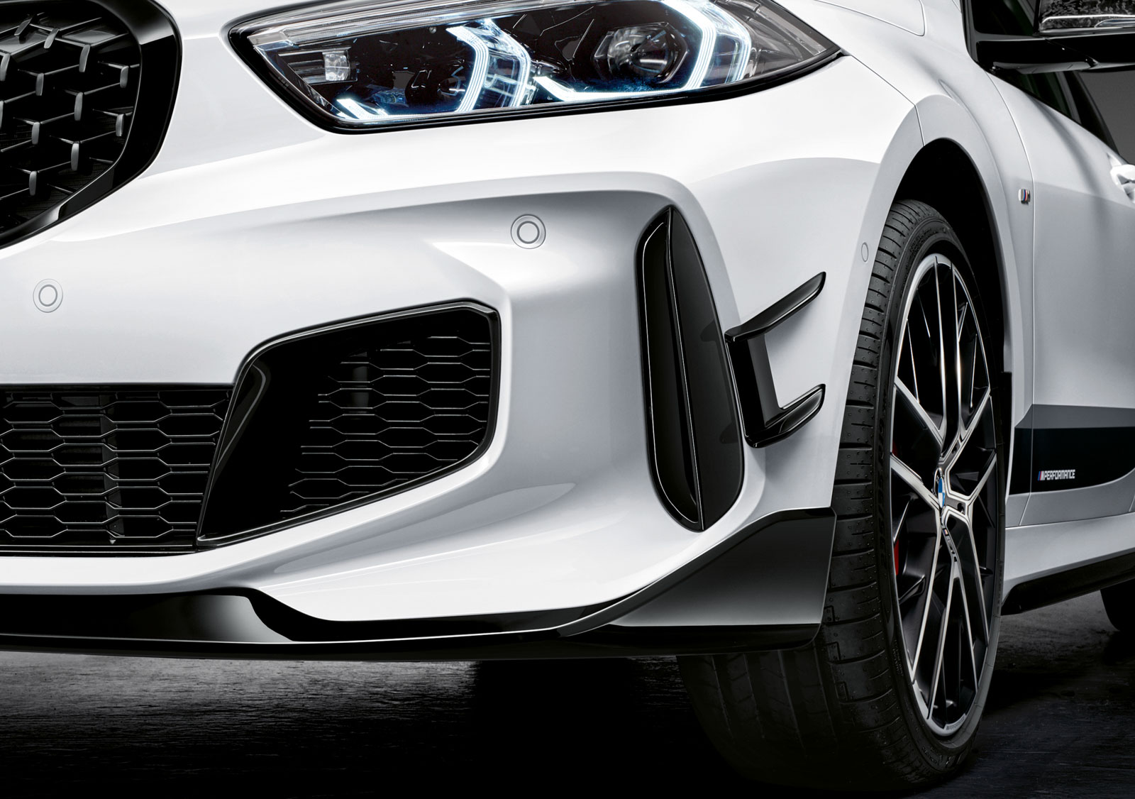 Name:  P90350993_highRes_the-all-new-bmw-1-se.jpg Views: 18556 Size:  275.3 KB