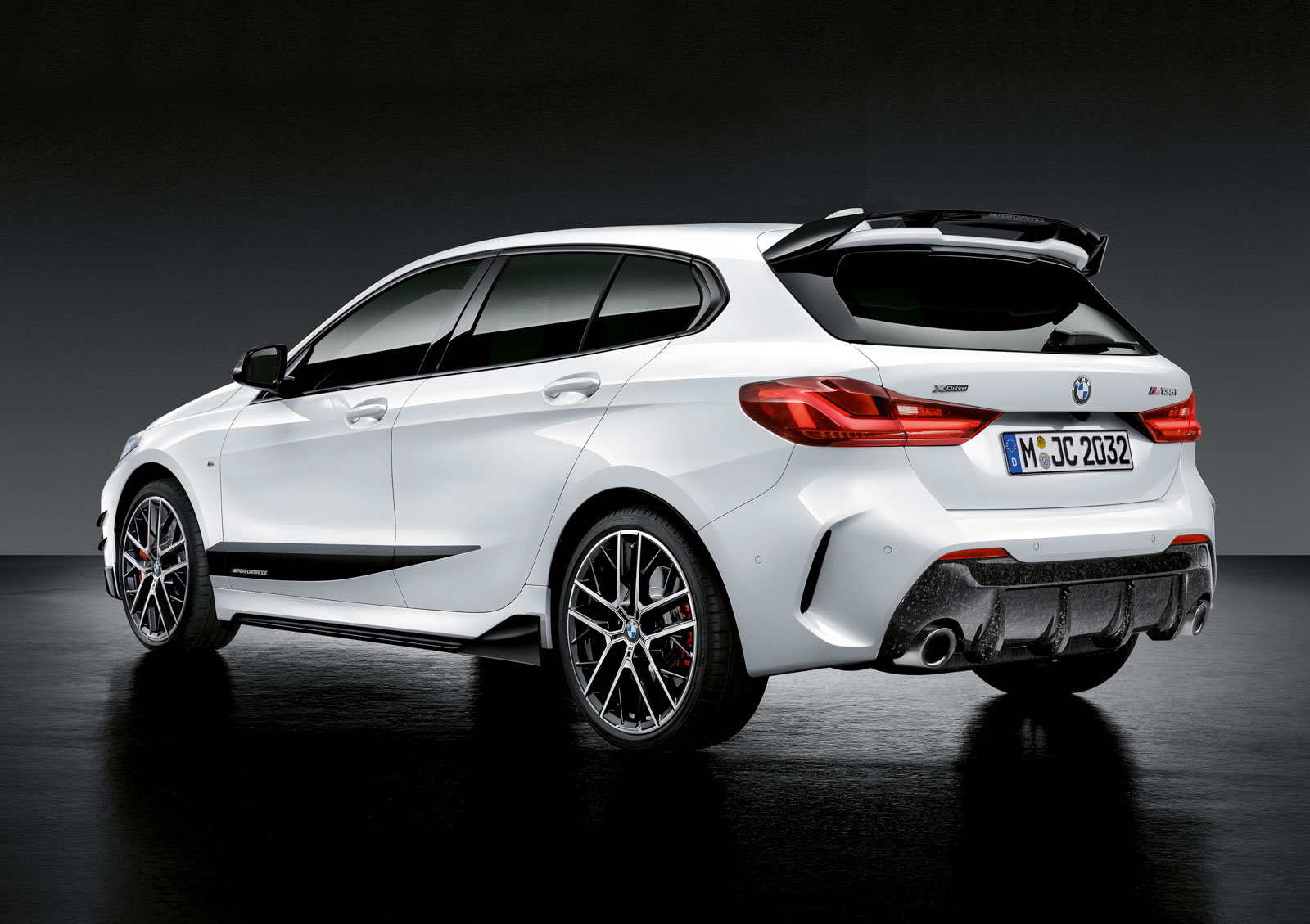 Name:  P90350992_highRes_the-all-new-bmw-1-se.jpg Views: 19275 Size:  259.7 KB