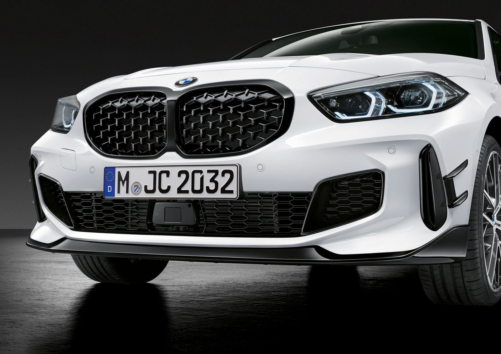 Name:  P90350997_highRes_the-all-new-bmw-1-se.jpg Views: 19512 Size:  279.8 KB